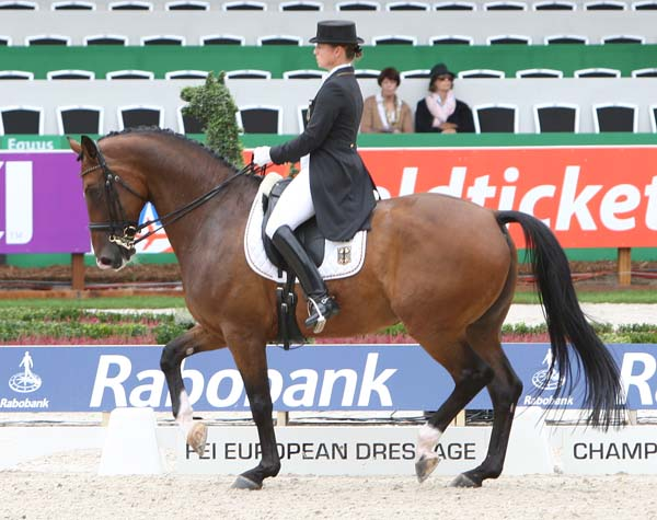Isabell Werth and El Santo NRW at the 2011 European Championships. © 2011 Ken Braddick/dressage-news.com