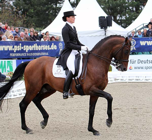 Lyndal Oatley and Sandro Boy. © Ken Braddick/dressage-news.com