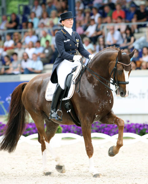 Anabel Balkenhol and Dablino. © Ken Braddick/dressage-news.com