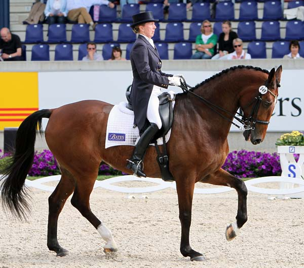 Rozzie Ryan and GV Bullwinkle. © Ken Braddick/dressage-news.com