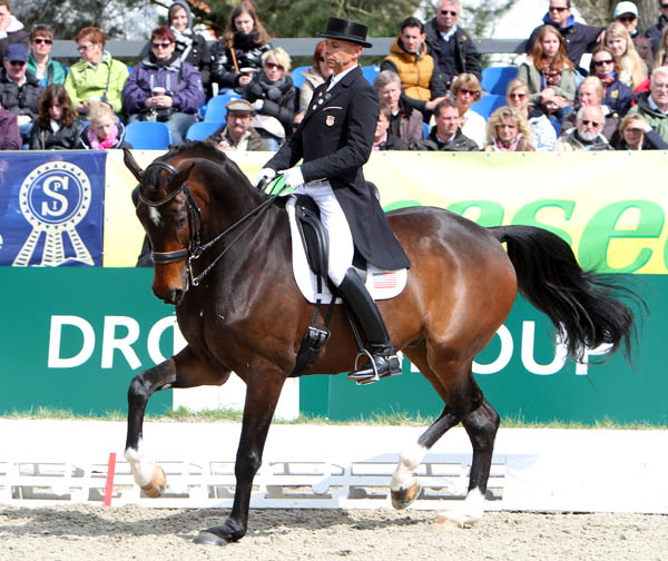 Steffen Peters and Legolas in the Grand Prix at Horses & Dreams CDI4* in Hagen. © 2013 Ken Braddick/dressage-news.com