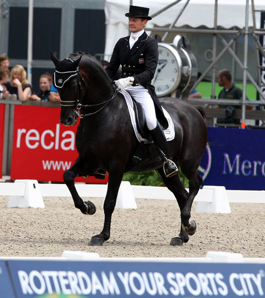 Edward Gal riding Glock's Voice to victory in the Rotterdam CDI3* Grand Prix. © 2013 Ken Braddick/dressage-news.com