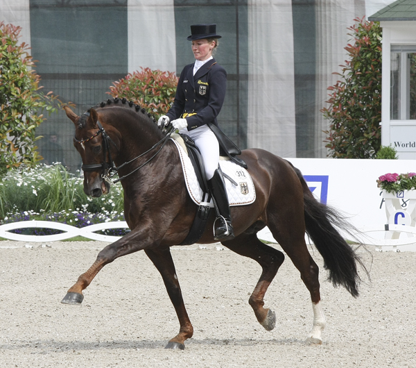 Damon Hill and Helen Langehanenberg and their trot extension that scored multiple 9's over three days of competition © Ilse Schwarz/dressage-news.com