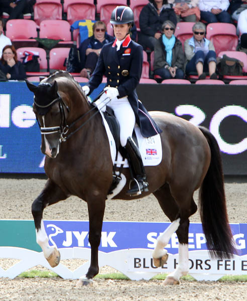 Charlotte Dujardin & Valegro to Compete at Amsterdam Aiming for...