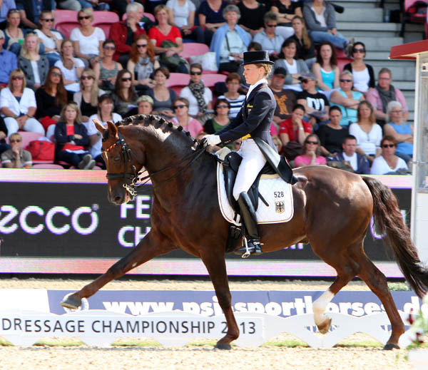 Charlotte Dujardin & Valegro Win Gold at European Championships Grand Prix Special in Comedy of Errors – Dressage