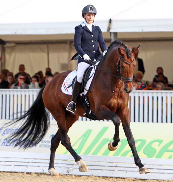 Mirelle van Kemenade-Witlox and Decor Cachet L. © 2013 Ken Braddick/dressage-news.com