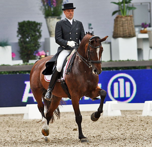 Lars Petersen and Mariett. © 2013 Ken Braddick/dressage-news.com