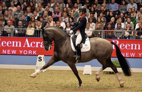 Valegro ridden by Charlotte Dujardin showing off hisextended trot. ©2013 Kit Houghton/Horsepower