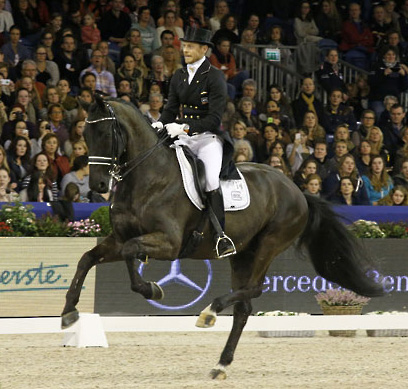 Edward Gal on Glock's Undercover in the Amsterdam World Cup Freestyle. © 2014 Jenny Abrahamsson/WorldofShowJumping.com
