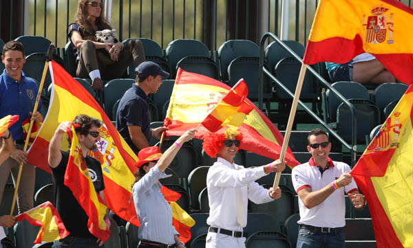 Spanish supporters. © 2014 Ken Braddick/dressage-nes.com