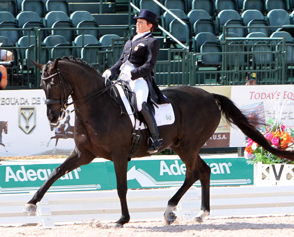 Shelly Francis and Danilo competing in Floridail. © Ken Braddick/dressge-news.com