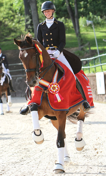 Laura Graves and Verdades in the US Championship honor round. © 2014 Ken Braddck/dressage-news.com