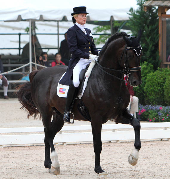 Tina Konyot and Calecto V. © 2014 Ken Braddick/dressage-news.com