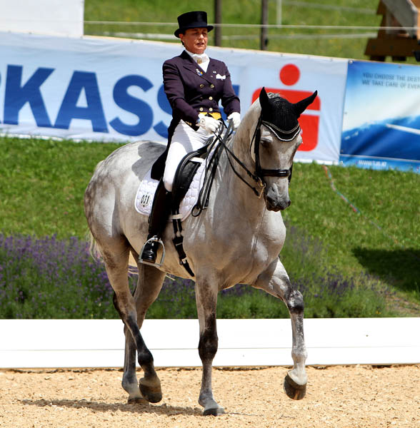 Bernadette Pujals of Mexico on Heslegaards Rolex. © Ken Braddick/dressage-news.com