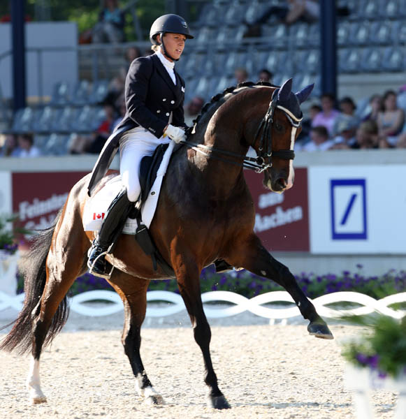 Unee BB Wins Aachen CDI4* Grand Prix