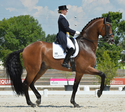 Kristy Oatley and Ronan in the Deauville CDI3* grand Prix. © 2014 The Horse Magazine