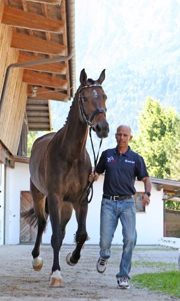 Steffen Peters at the Schindlhof CDI4* veterinary inspection Thursday. ©2014 Ken Braddick/dressage-news.com
