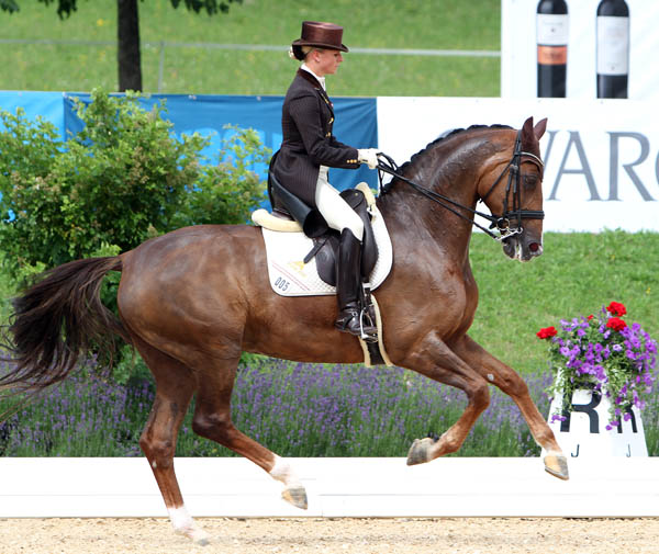 Victoria Max-Theurer and Blind Date. © Ken Braddick/dressage-news.com