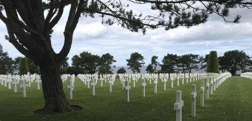 Nothing can prepare you for the sight of so many crosses, Omaha Beach in the background © Ilse Schwarz dressage-news.com