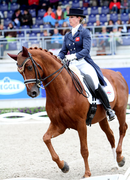 Hannah Biggs and Weltzin. © Ken Braddick/dressage-news.com