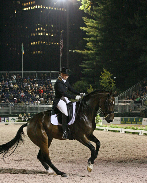 Isabel Werth on El Santo NRW in New York's inaugral Central Park Horse Show in 2014. © Ken Braddick/ dressage-news.com