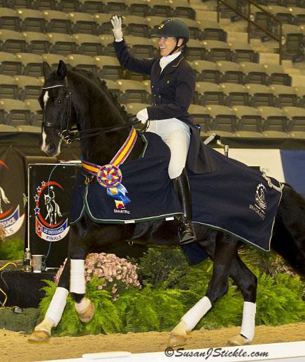 Mette Rosencrantz on De Noir celebrating Int. 1 Championship victory. ©2014 SusanJStickle.com