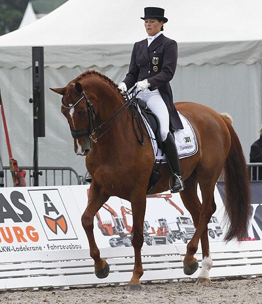 Carola Koppelmann on Devaraux B © Ken Braddick/dressage-news.com