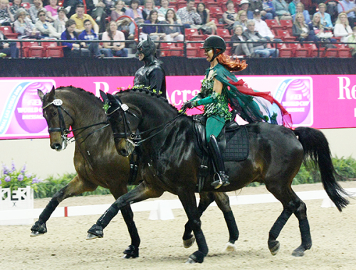 Shannon Peters on Weltinos Magic and David Blake on Ikarus Ilse Schwarz © dressage-news.com