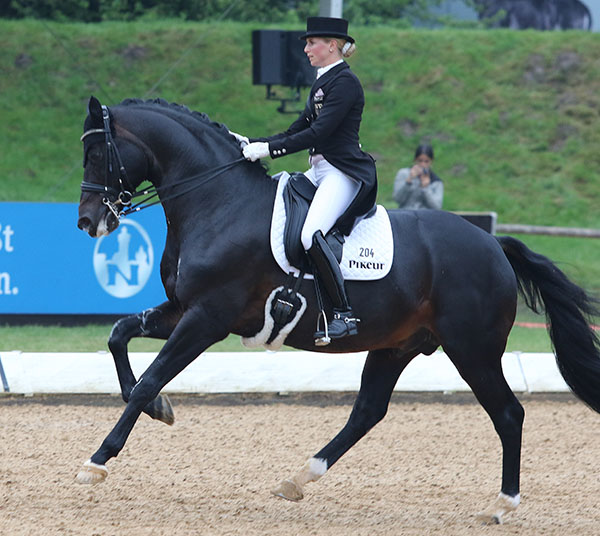 Jessica von Bredow-Werndl on Unee BB. File photo. © Ken Braddick/dressage-news.com