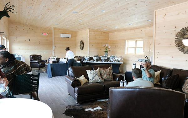 Riders' lounge. © 2015 Ken Braddick/dressge-news.com