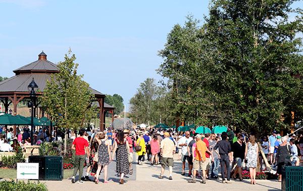 Crowds enjoying the Tryon International Equestrian Center. © 2015 Ken Braddick/dressage-news.com