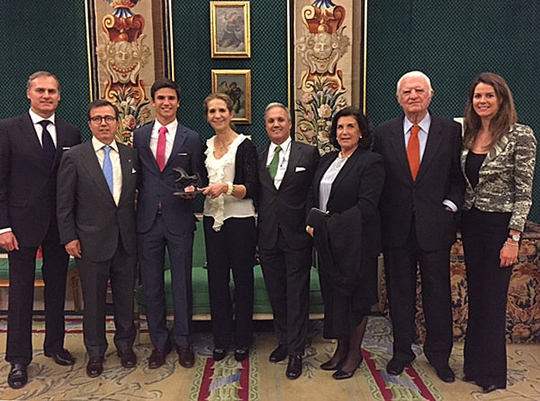 Juan Matute, Jr. (third from left) receiving Spain's 2015 best equestrian athlete award from Infanta Elena de Borbon in Madrid.