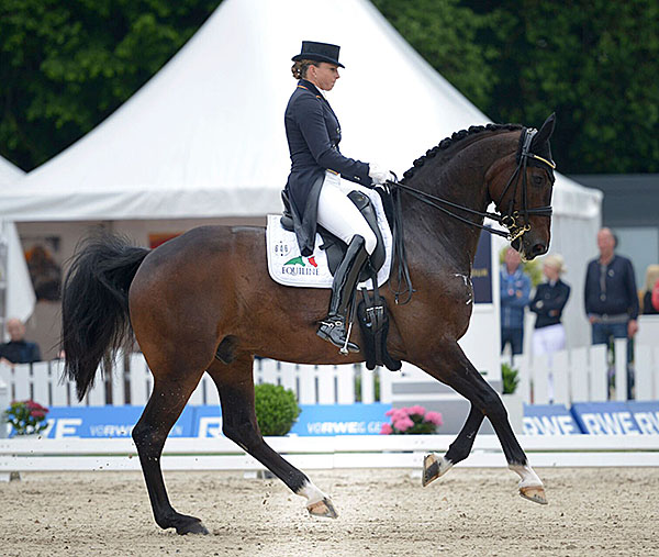 Dorothee Schneider and Showtime at the German Championshipsin Balve.