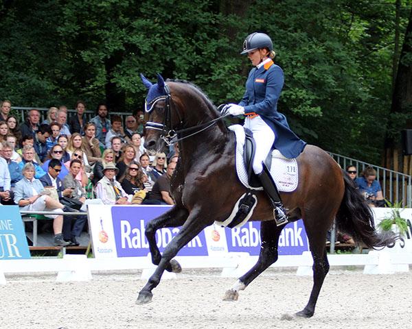 Emmilie Scholtens on Apache in the Rotterdam CDI3* Grand Prix. © 2016 Ken Braddick/dressage-news.com