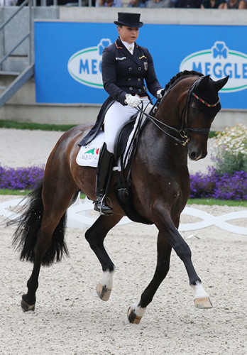 Dorothee Schneider and Showtime FRH ©Ilse Schwarz/dressage-news.com